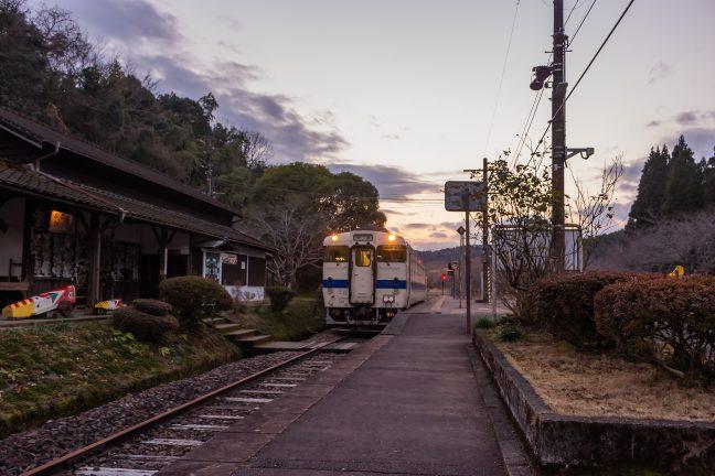 JR肥薩線・大畑駅(熊本県:2017年1月)
