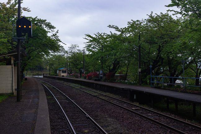 早朝の能登鹿島駅に人の姿は見えなかった