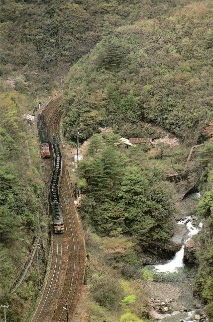 引用図:「鉄道ジャーナル別冊38・懐かしの国鉄客車列車(鉄道ジャーナル社・1999年)」