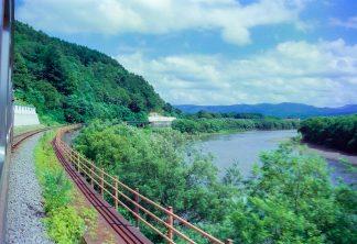 JR宗谷本線・糠南~上雄信内間・天塩川(北海道:2001年8月)