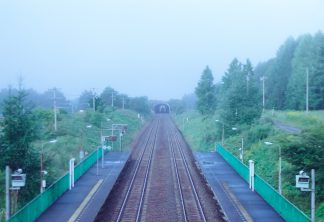 JR石勝線・十三里駅(北海道:2001年8月)