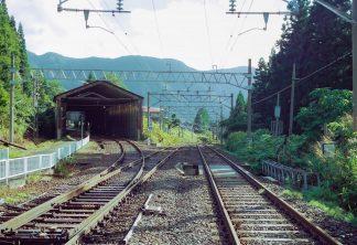 JR奥羽本線・板谷駅(山形県:2001年8月)