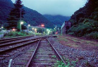 JR釜石線・陸中大橋駅(岩手県:2001年8月)