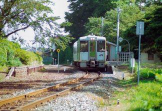 JR山田線・吉里吉里駅(岩手県:2001年8月)