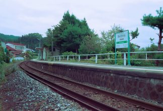 JR山田線・浪板海岸駅(岩手県:2001年8月)