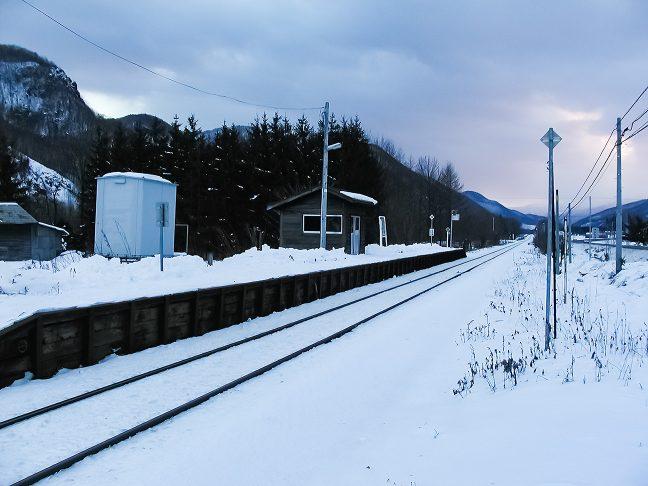 再訪した旧白滝駅は雪の中に静かに佇んでいた