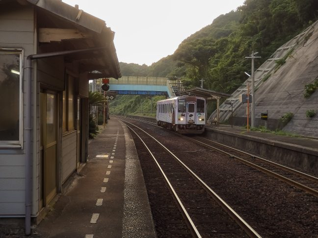 JR山陰本線・宇田郷駅(山口県:2015年8月)