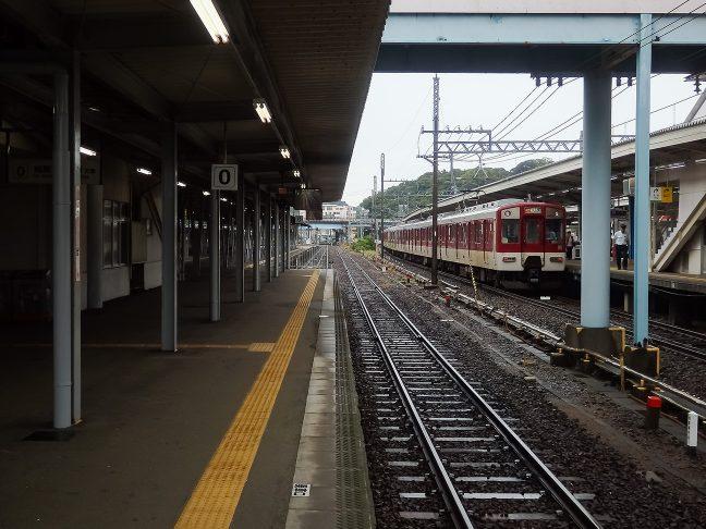 近鉄は3番線から6番線が充てられている鳥羽駅
