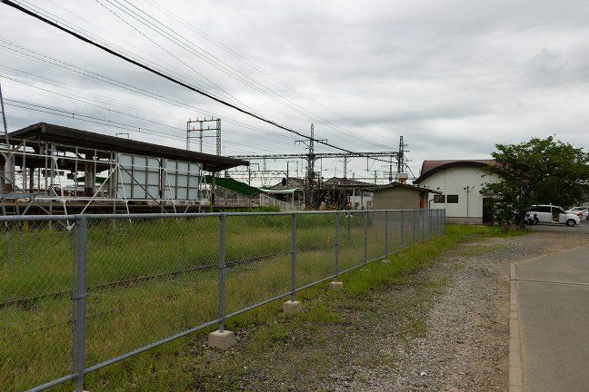 駅周辺には留置線などもあって、施設面積は大きい