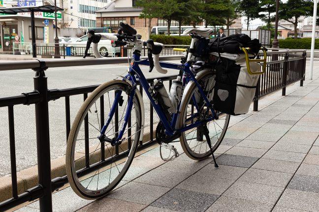 宇治山田駅前に停車する「ちゃり鉄2号」