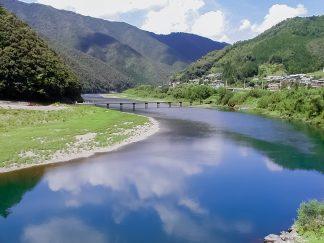四万十川・岩間沈下橋(高知県:2002年8月)