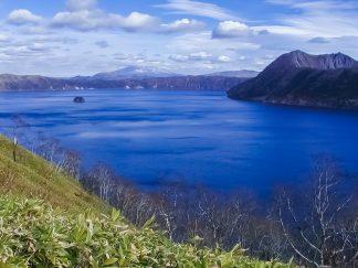 摩周湖とカムイヌプリ、斜里岳(北海道:2002年11月)