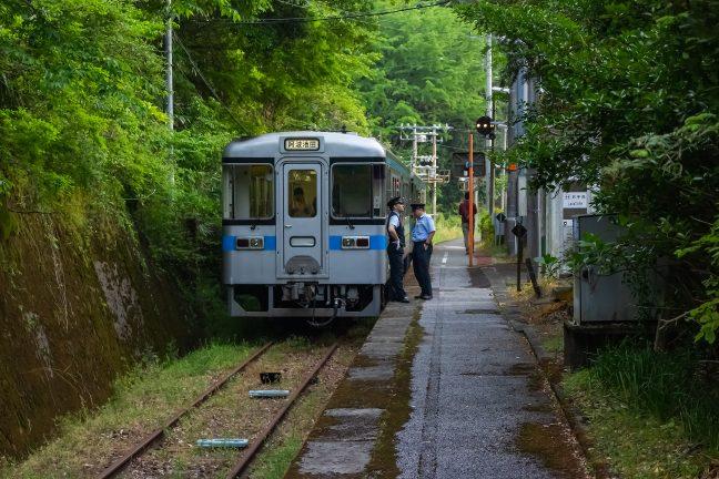 JR土讃線・新改駅(高知県:2016年5月)