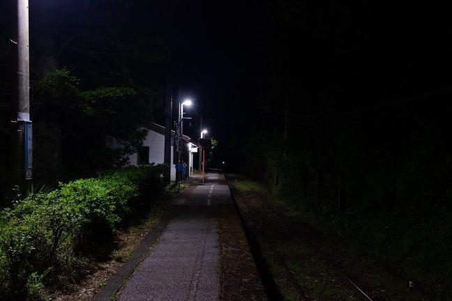 旅情駅で過ごす駅前野宿の一夜