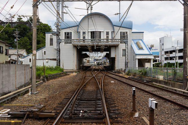 水族館などの大型観光施設前にある中之郷駅