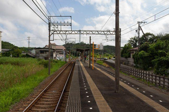 志摩神明駅は市街地から外れた長閑な田園地帯にある