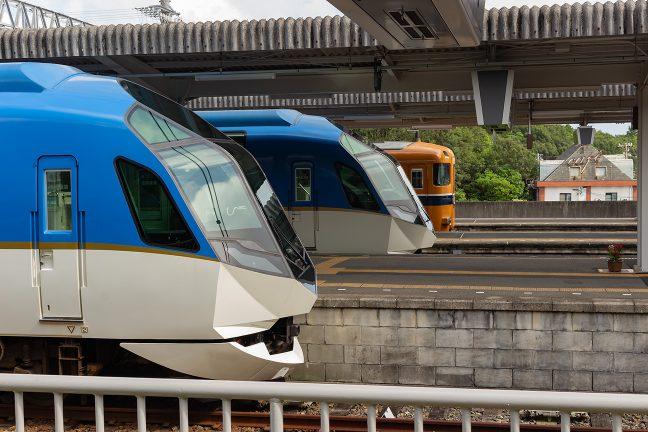 普通列車よりも特急列車の発着の方が多い賢島駅