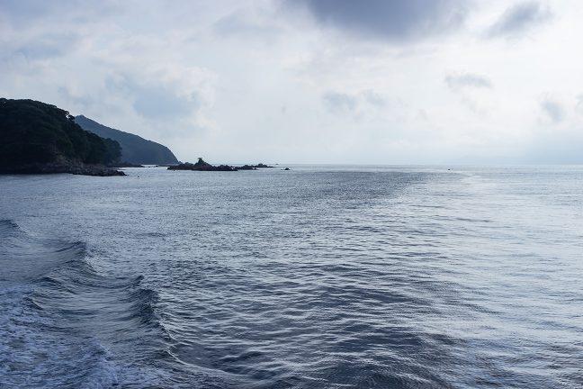 港外に出ると、すぐそこは、太平洋が広がる