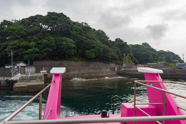 ほんの数メートルの突堤が船着き場