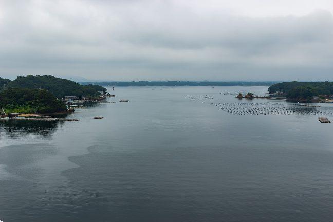 パールブリッジから眺めた和具浦湾口の眺め
