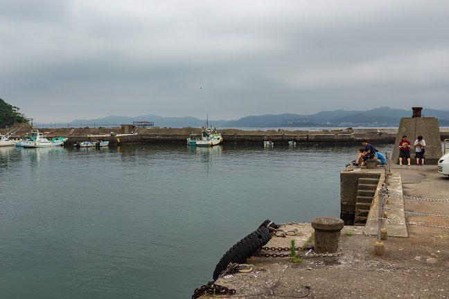 のんびりとした雰囲気の御座漁港