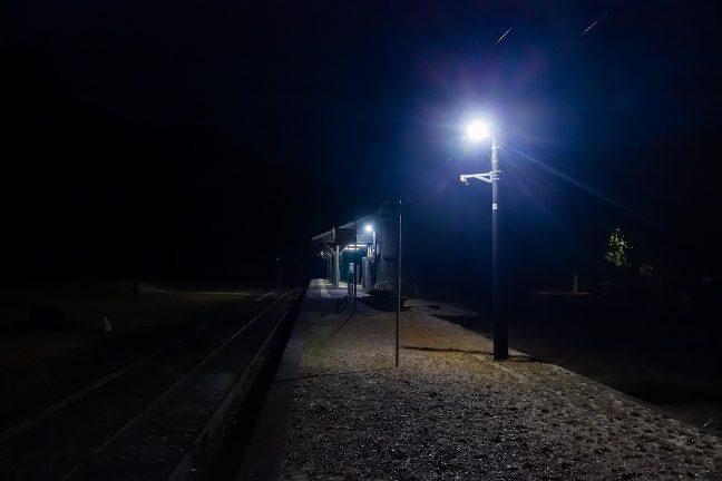 真冬の九州の朝は7時前というのに深夜の様相