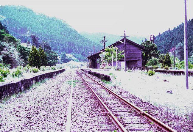 交換可能駅だった頃の面影が偲ばれる