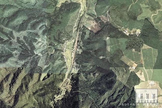 空撮画像:矢岳駅周辺(1976/10/06)