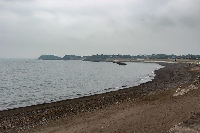 麦崎から東側に続く大野浜