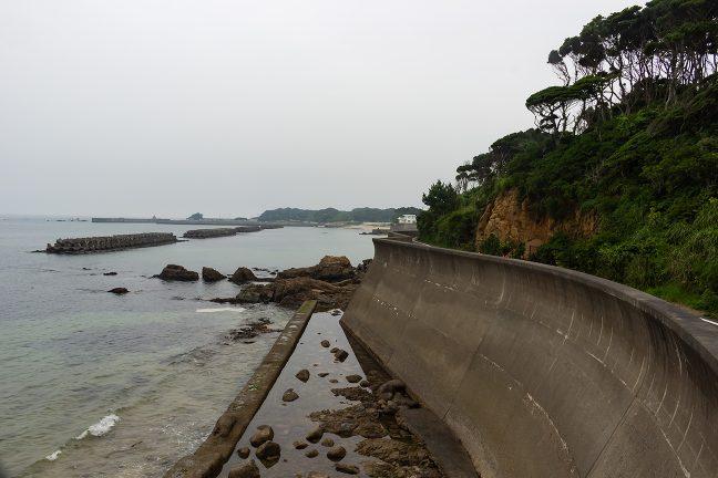 大王崎から安乗崎にかけては、所々、海岸線にサイクリングロードがある