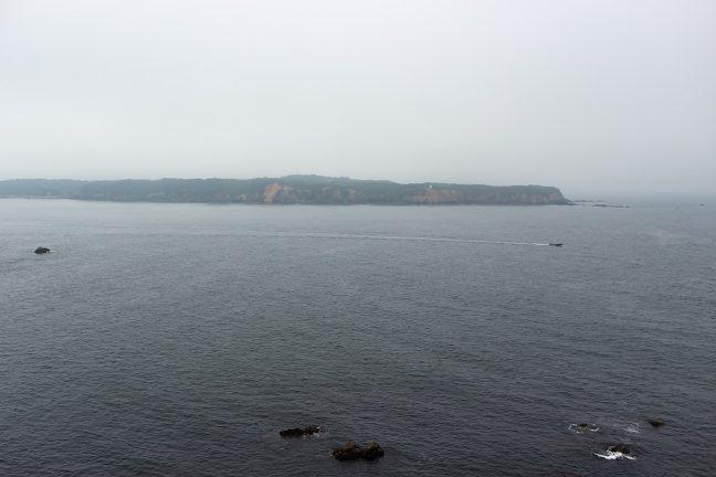 安乗崎から対岸の菅崎を眺める