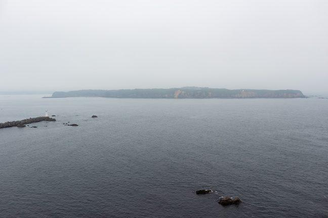 島のように見える対岸の菅崎