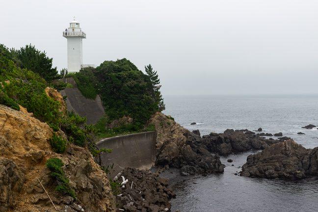 園地付近から眺める安乗埼灯台