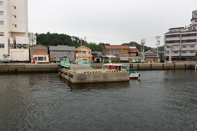 渡鹿野島側の船着き場