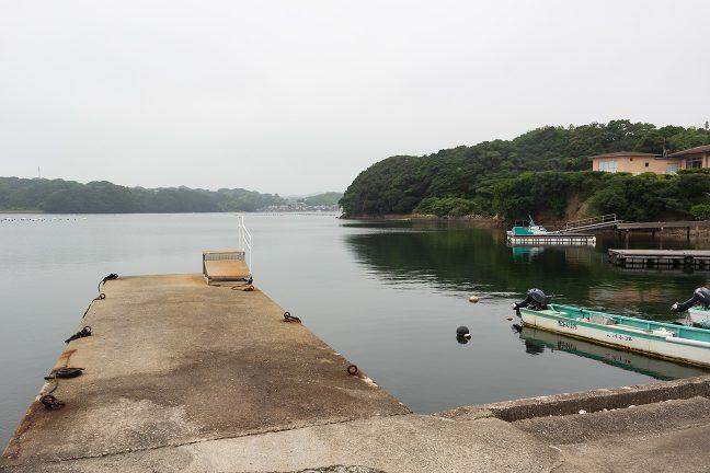 穏やかな渡鹿野島の船着き場
