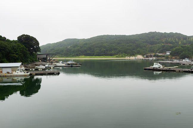 生浦湾の入江に入る