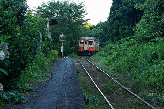 平成の世とはいえ、どこか、昭和の郷愁感ある久我原駅の情景