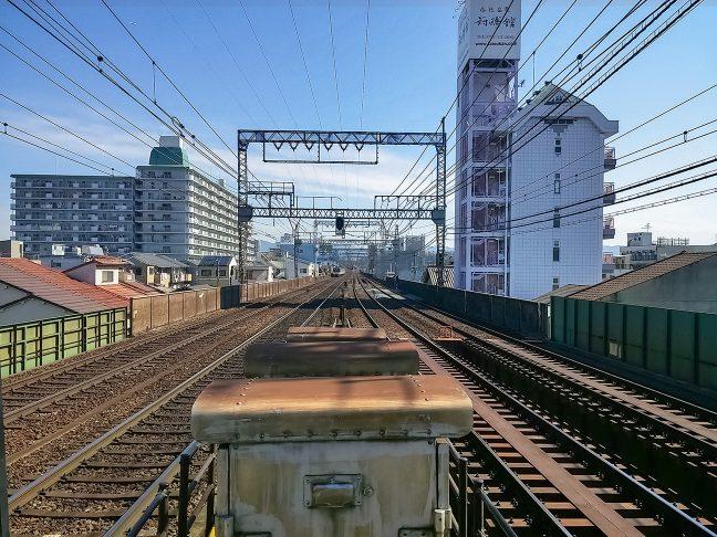 今里駅から布施方面の複々線を眺める