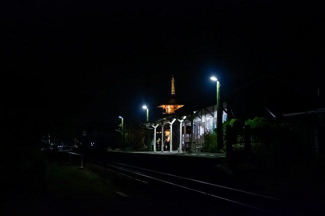 19時半を過ぎる頃には、駅の人通りも途絶え始めた