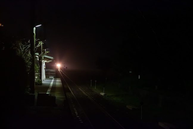 20時過ぎに折り返してきた粟生行き普通列車