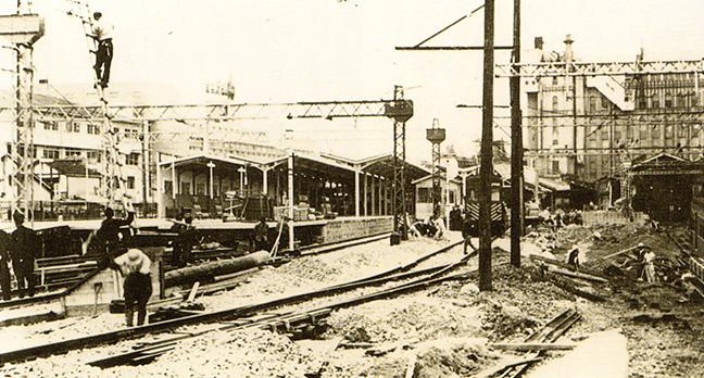 引用図:工事中の上本町駅「80年のあゆみ(近畿日本鉄道・1990年)」